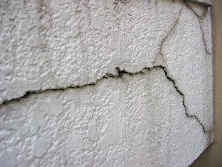 「モルタル割れ」の画像